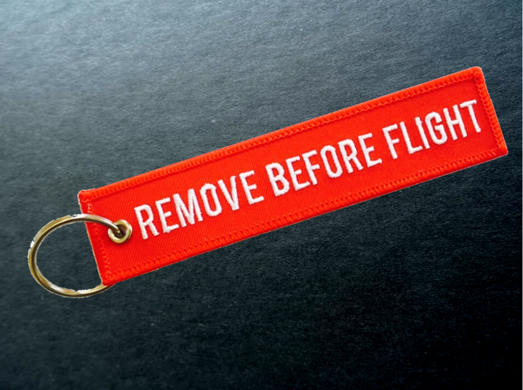 REMOVE BEFORE FLIGHT / Breloki Zawieszki